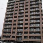岡田被告の母親らが住んでいたマンション